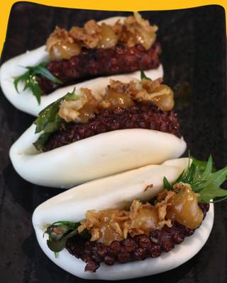 TAKO BAO | Polpo, sweet shiro miso sauce cipolla croccante