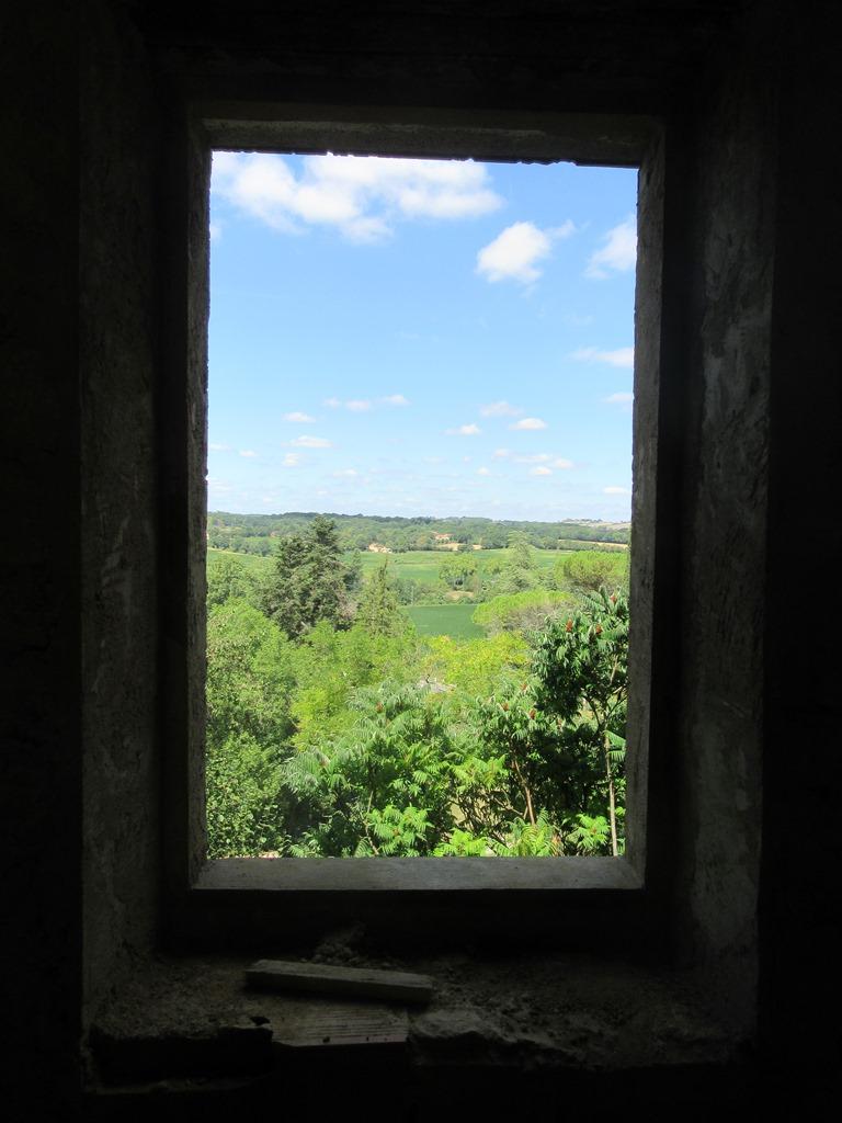 vue par la fenêtre salle d'eau