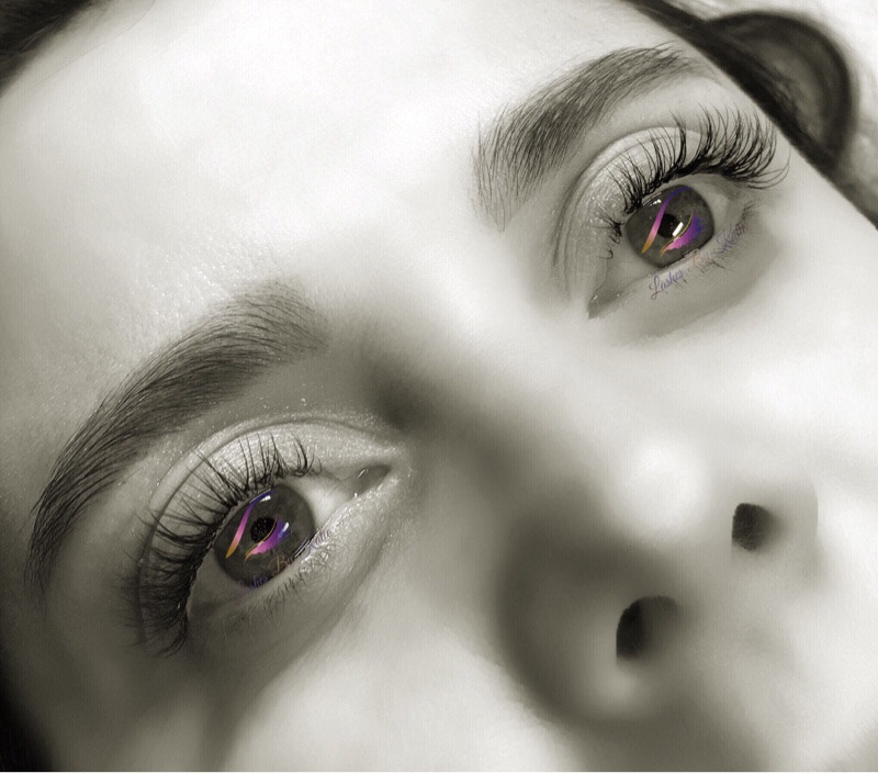 Hollywood-look lashes, perfect for wedding day, wedding day lashes, beautiful eyelash extensions
