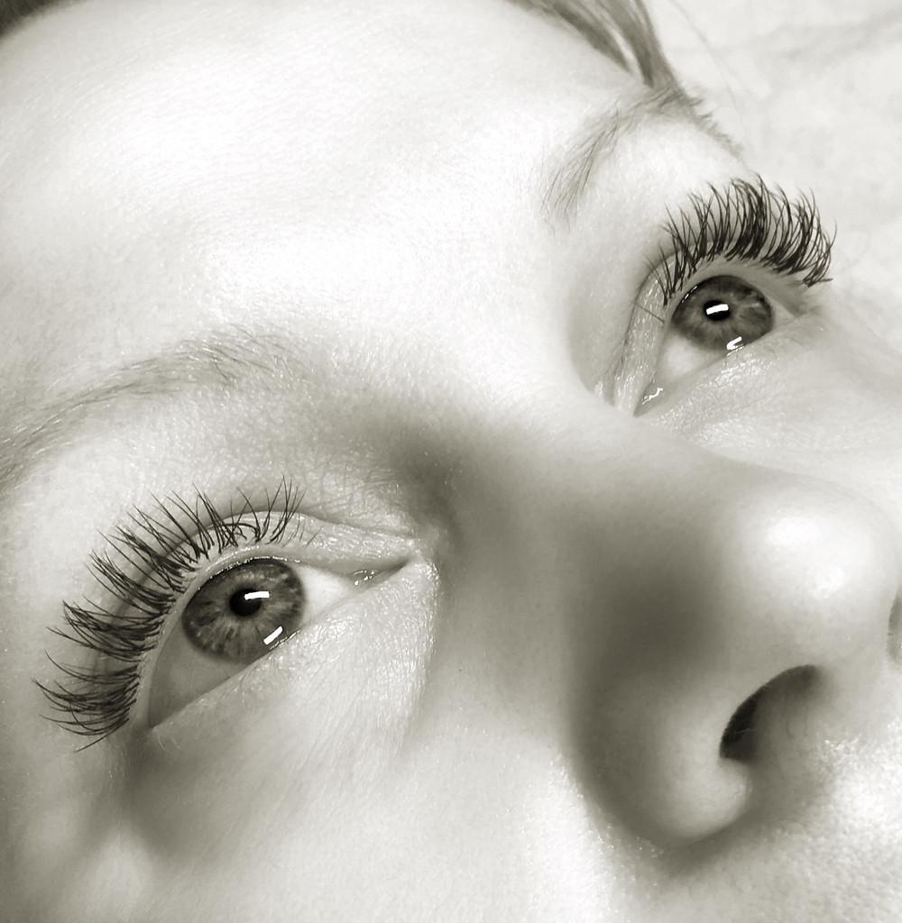 Holiday Eyelashes, wake up looking lovely with no effort, easy eyes, lovely holiday lashes