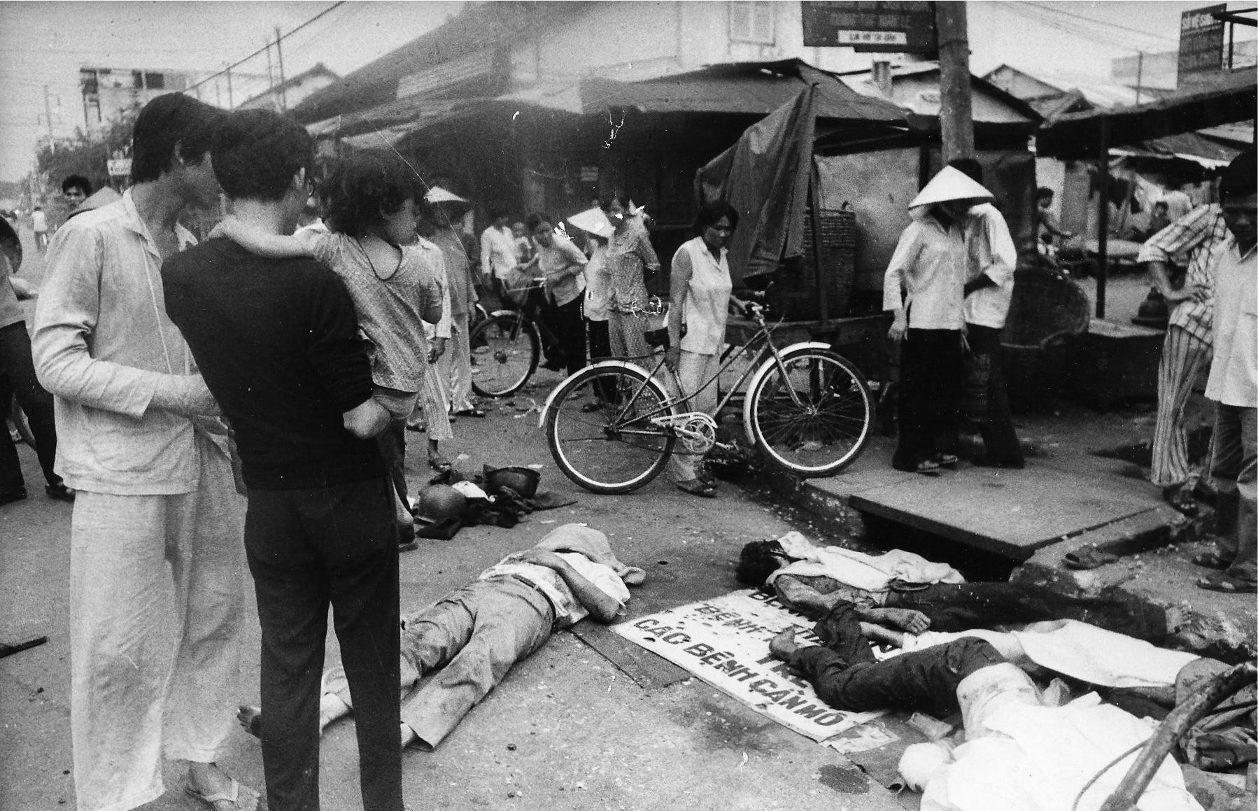 Des civils sont massacrés