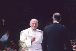Le Pape Jean Paul II à Paris