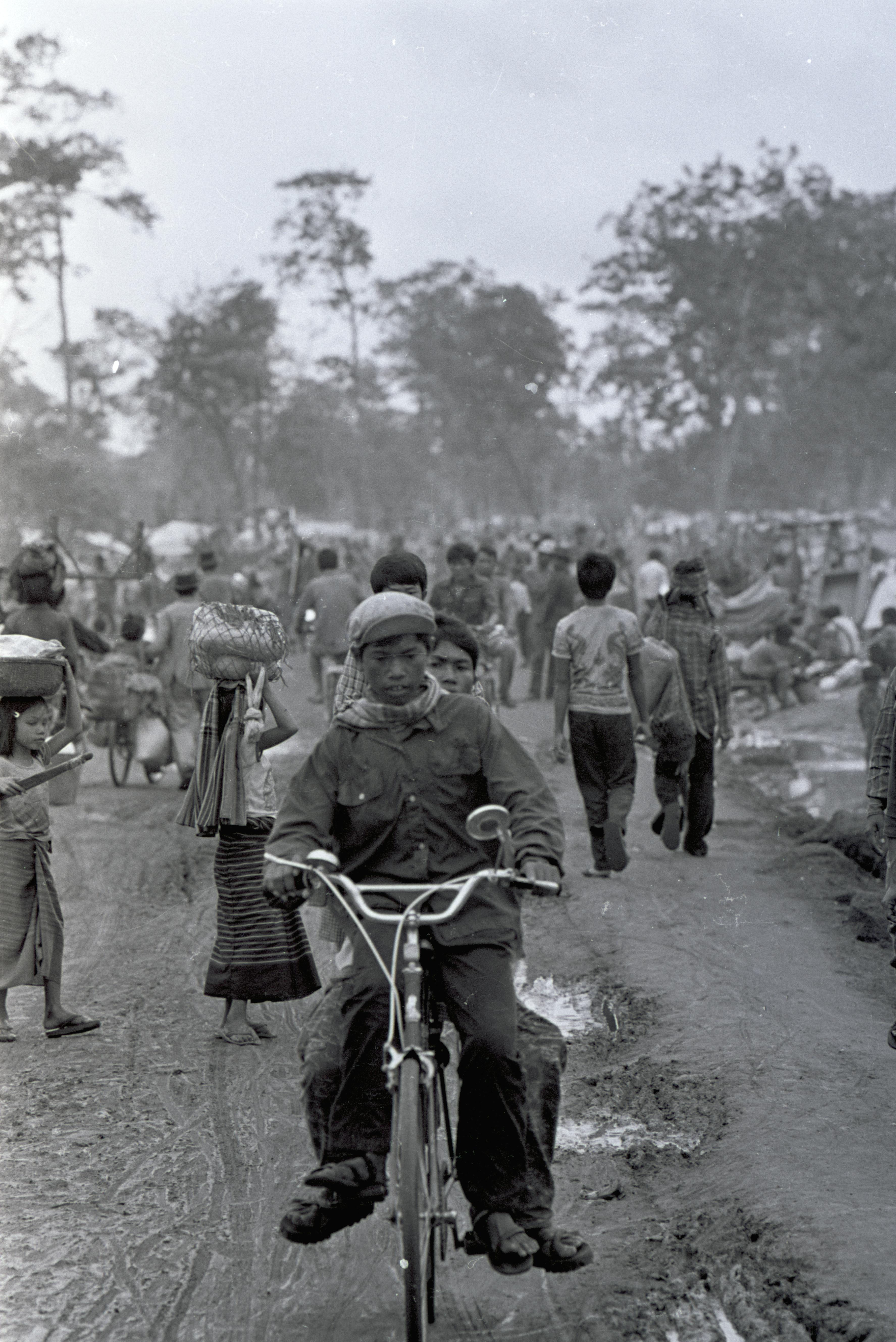 La fuite des réfugiés vers la fronti