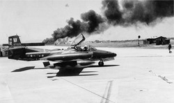 L'Aéroport de Tan-So-Nut bombardé