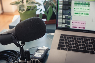Radiojornal Uninter Informa está disponível para ouvintes