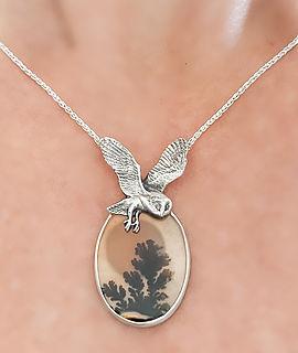 dendritic-agate-owl-moon-necklace-michelle-hoting.jpg.jpg