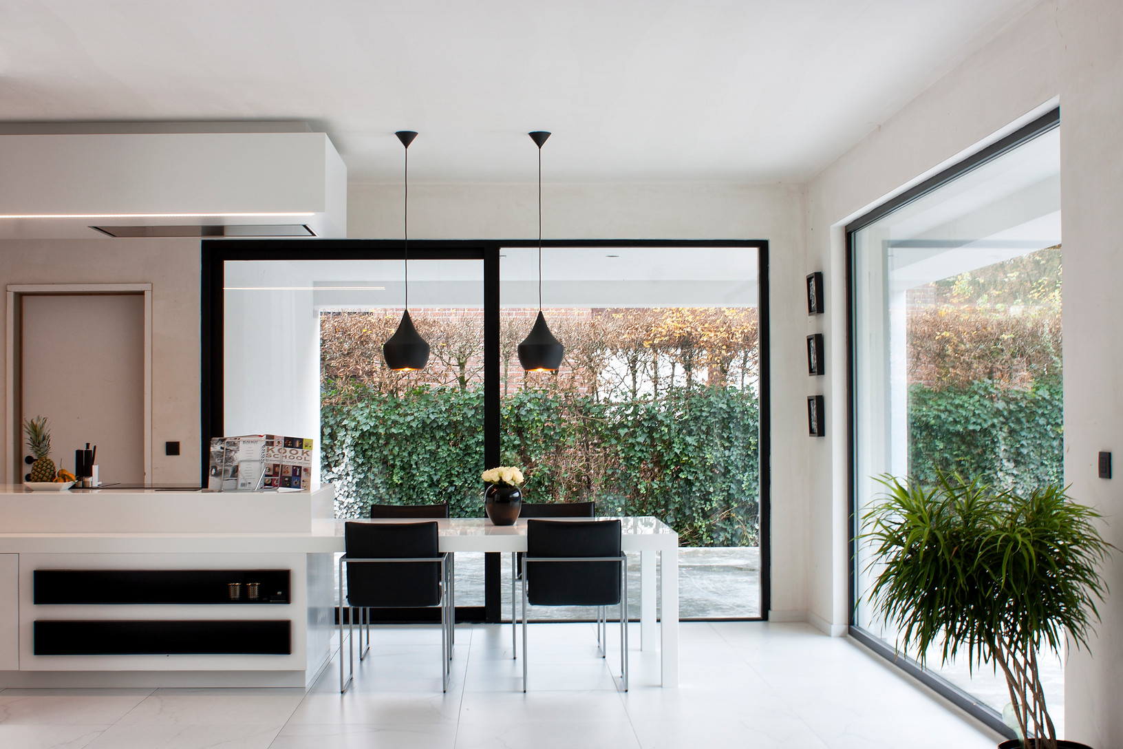 Overbelicht raam in interieurfotografie for Frako keukens