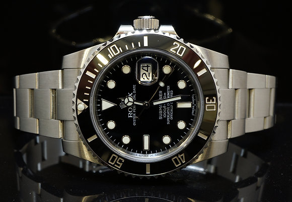 ROLEX 2015 Submariner, Stainless Steel, 116610LN, MINT, Box & Papers