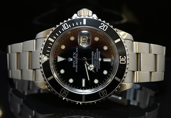 ROLEX 2004 Submariner Date, Steel, 16610T, MINT, Box & Papers
