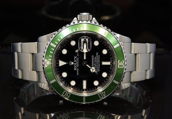 "ROLEX 2010 Submariner LV ""Kermit"",  16610LV, Box & Papers"
