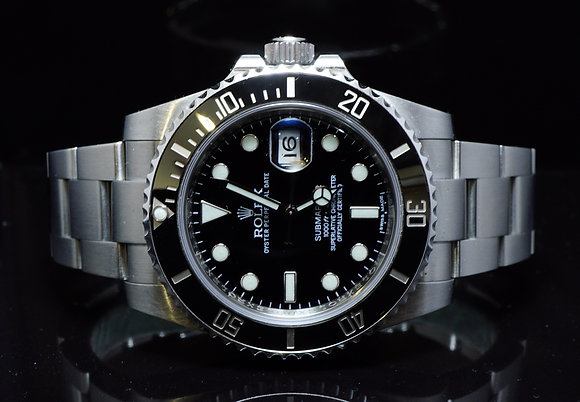 ROLEX 2011 Submariner Date, 116610LN, MINT, Box & Papers