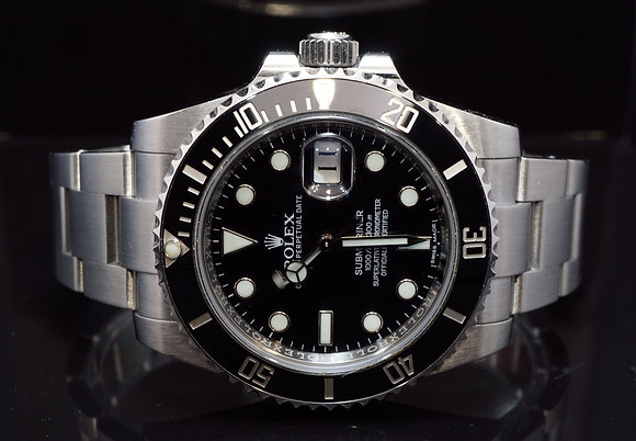 ROLEX 2016 Submariner Date, Steel, 116610LN, Box & Papers