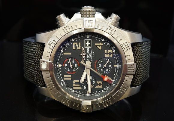 BREITLING 2017 Avenger Bandit, Titanium, E1338310, MINT, Box & Papers