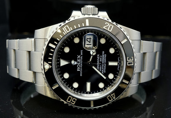 ROLEX 2012 Submariner Date, 116610LN, MINT, Box & Papers