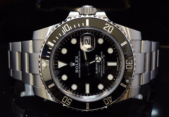 ROLEX 2017 Submariner, Steel, 116610LN, MINT,Box & Papers