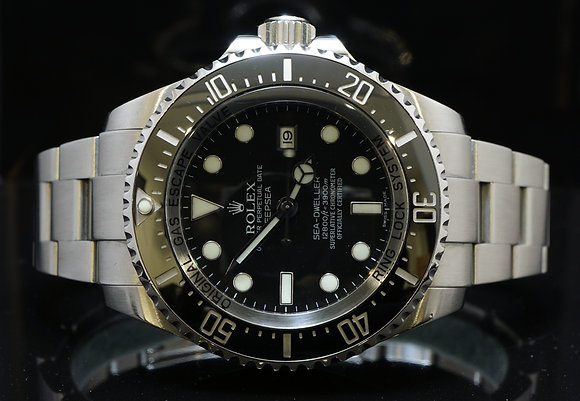 ROLEX 2011 Deepsea, Sea-Dweller, 116660, MINT, Box & Papers