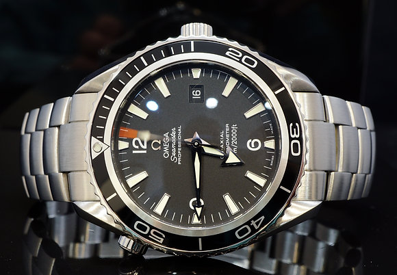 OMEGA 2010 45.5mm Planet Ocean, 22005000, MINT, Box & Papers