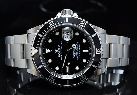 ROLEX 2001 Submariner Date, 16610, MINT, Boxed