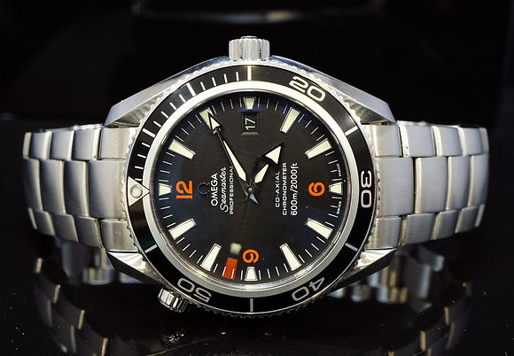 OMEGA 2014 42mm Planet Ocean, 22015100, Co-Axial, Box & papers