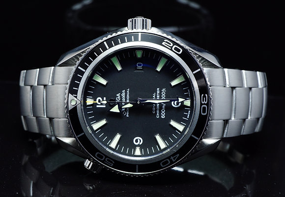 OMEGA 2007 42mm Planet Ocean, 22015000, MINT, Box & Papers