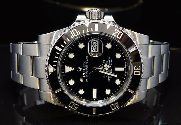 ROLEX 2014 Submariner, Steel, 116610LN, MINT, Box & Papers