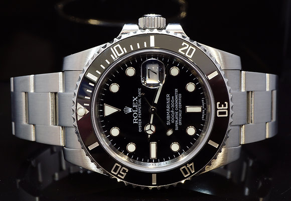 ROLEX 2015 Submariner, Steel, 116610LN, MINT, Box & Papers