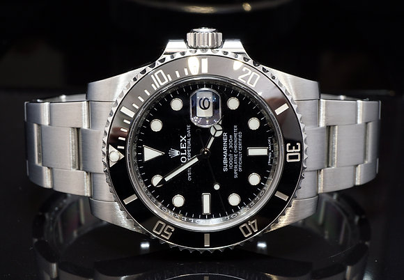 ROLEX 2011+ Submariner Date, 116610LN, Serviced by Rolex march 2019