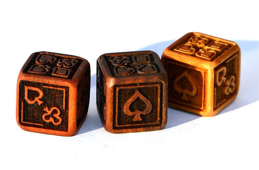 Suit Dice (Set of 2 pieces)