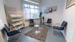 Wartezimmer 1 Arztpraxis Darwish