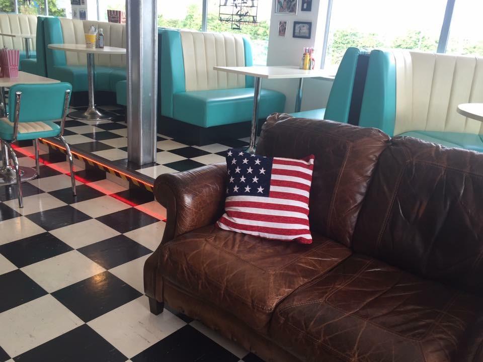 A21 Diner Sofa