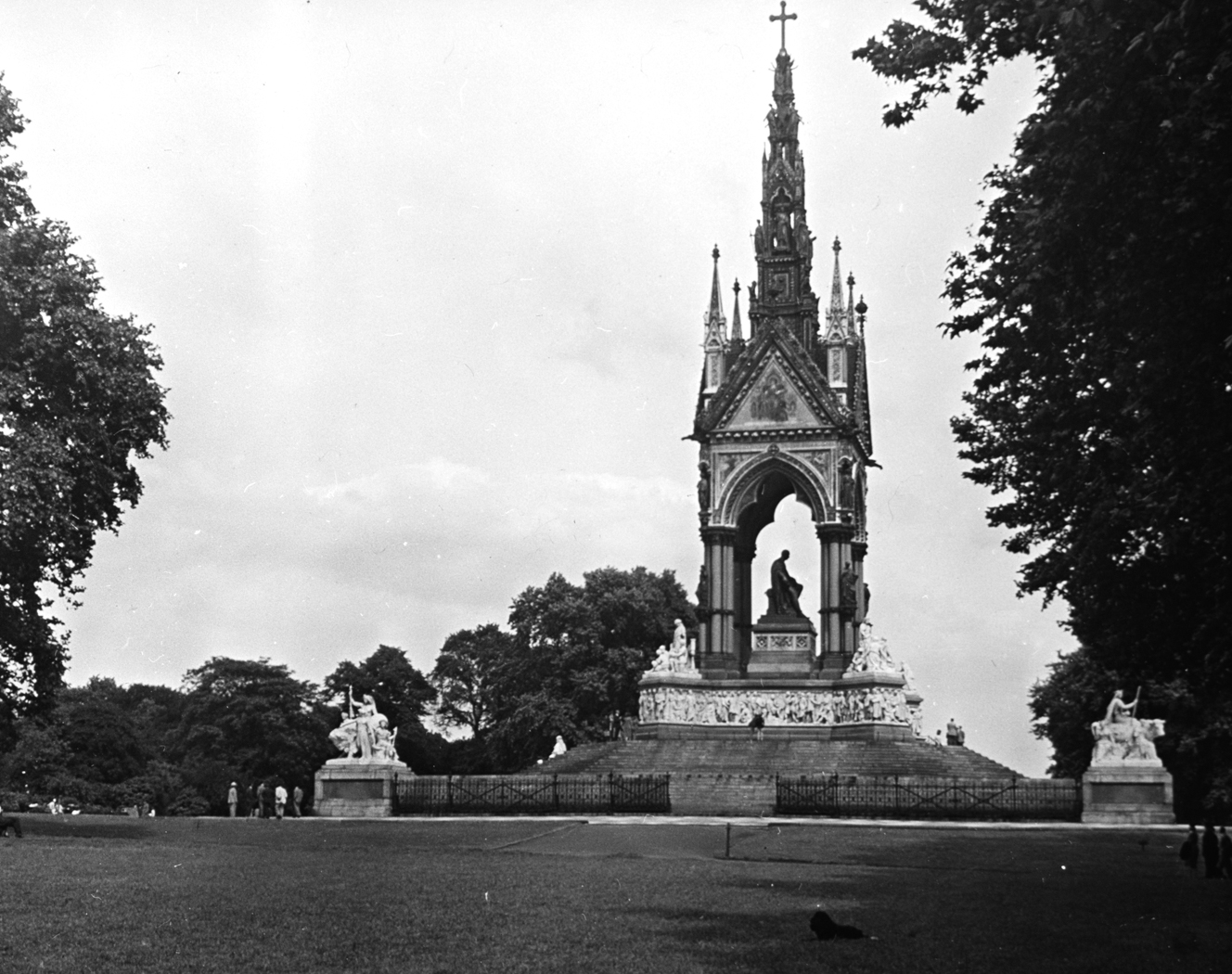 113_97 Royal Albert Memorial