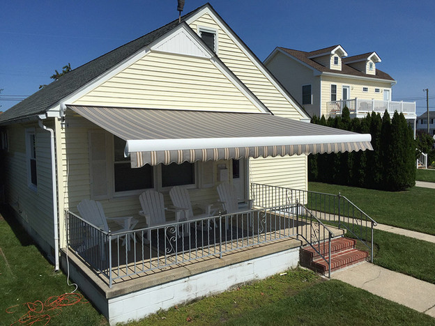 Custom Retractable Awnings