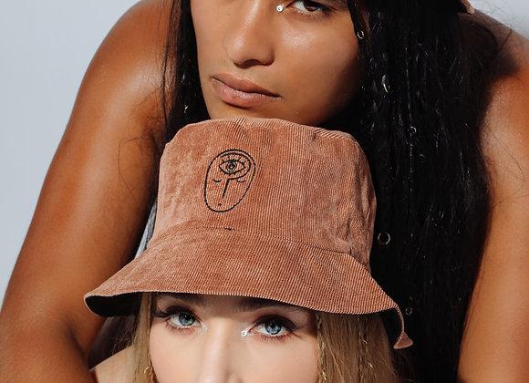 WHO'S FRANKIE UNISEX LOGO BUCKET HATS