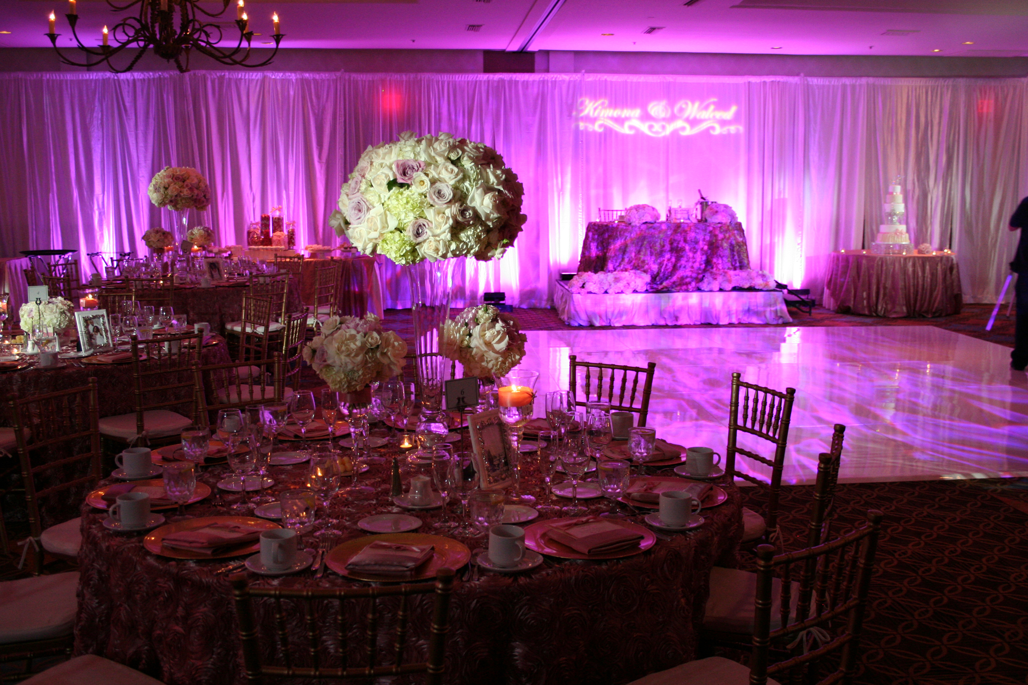 Uplighting Ballroom & Centerpiece
