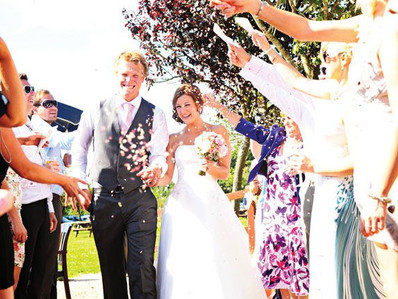 Choose the perfect songs for your wedding moments