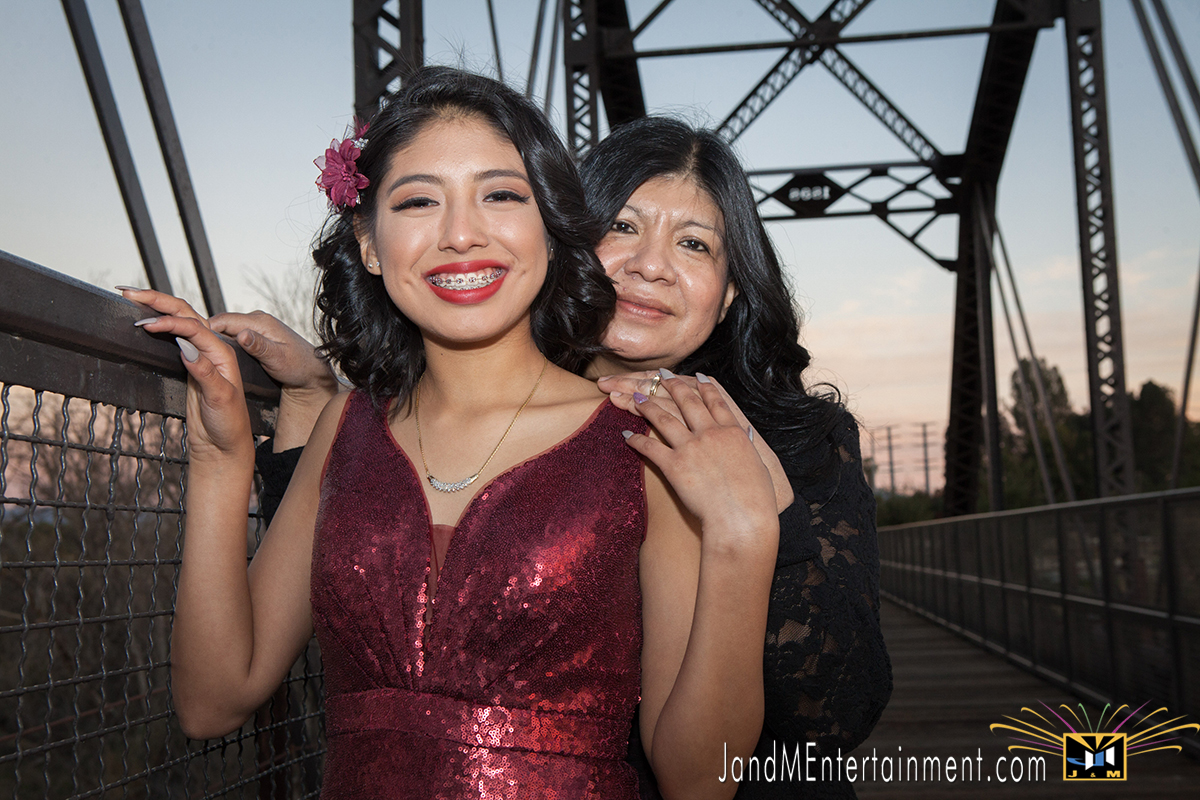 Daniella's Quinceanera portraits_mother & daughter
