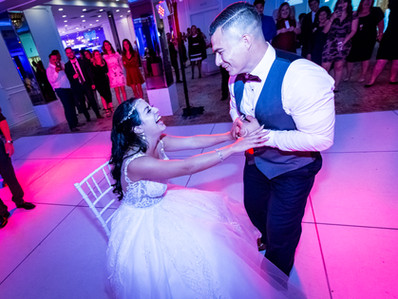 4 Alternatives to the Bouquet/Garter Toss