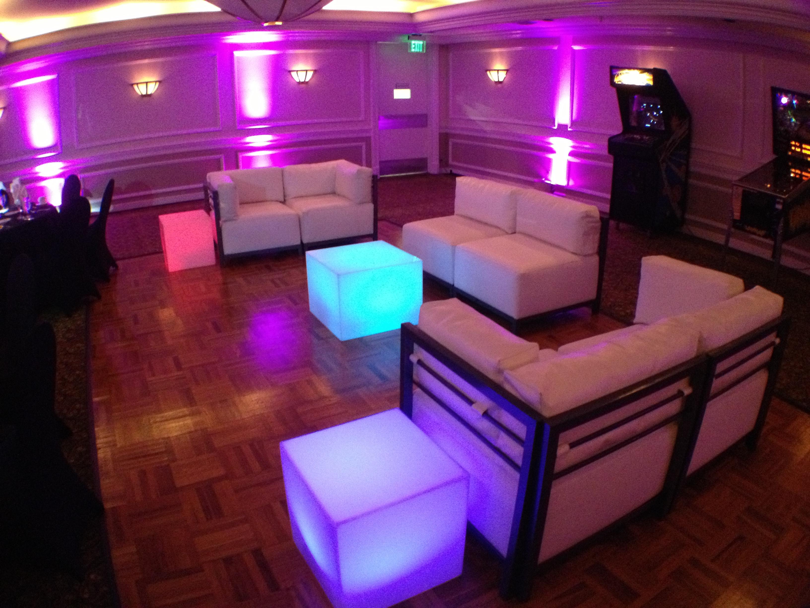 80's theme lounge & arcade