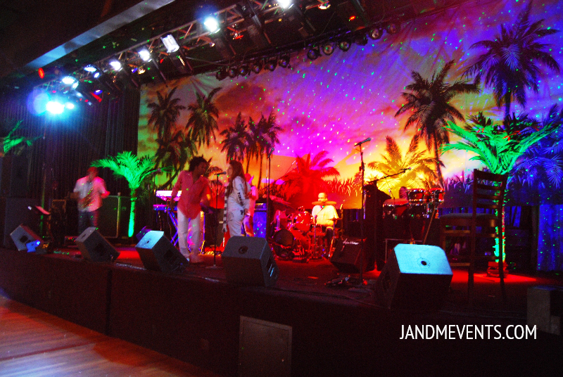 Band stage (Beverly Hilton hotel) International ballroom