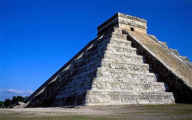 KalKucánPyramidCancún.png