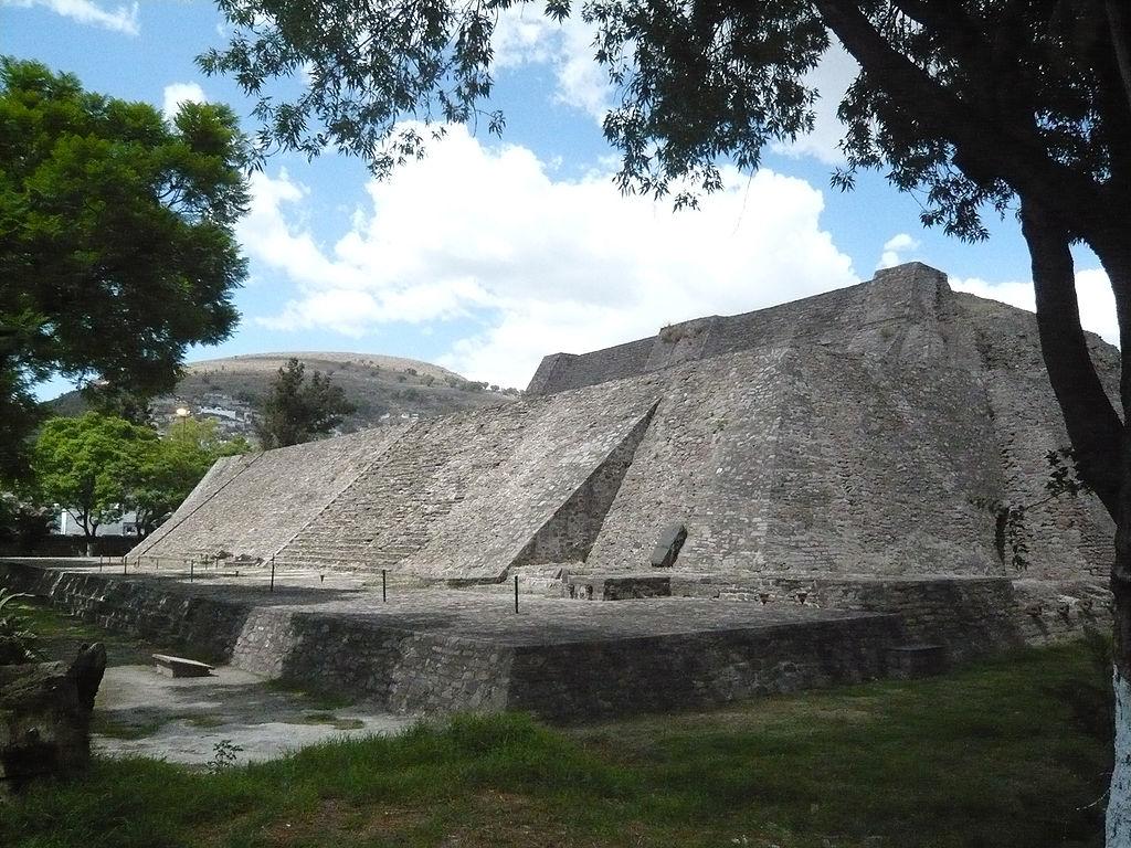 TenayucaPyramidNearTlalnepantla.png