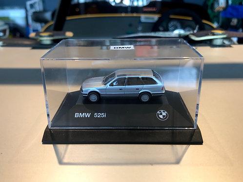 絶版 BMW 525i Touring 1:87 ミニカー