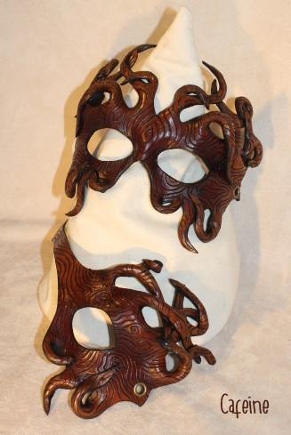 masque bois dentelle.jpg