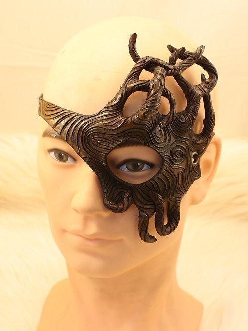 masque dentelle bois un oeil