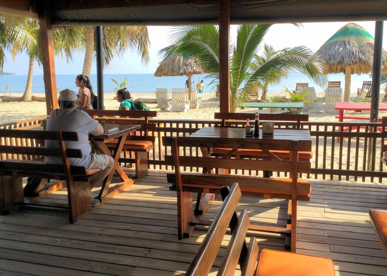 Cozy Corner Restaurant, Bar & Hotel