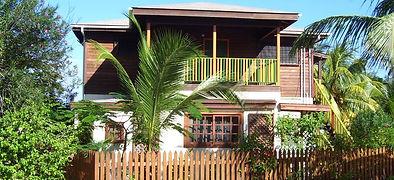 Tropical Home Near the Beach