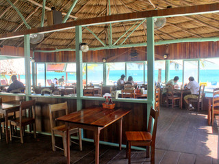 De Tatch Restaurant & Beach Bar