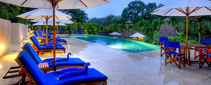 chaa-creek-infinity-swimming-pool-night-