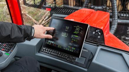 Hand-MaxiXplorer-cab.jpg