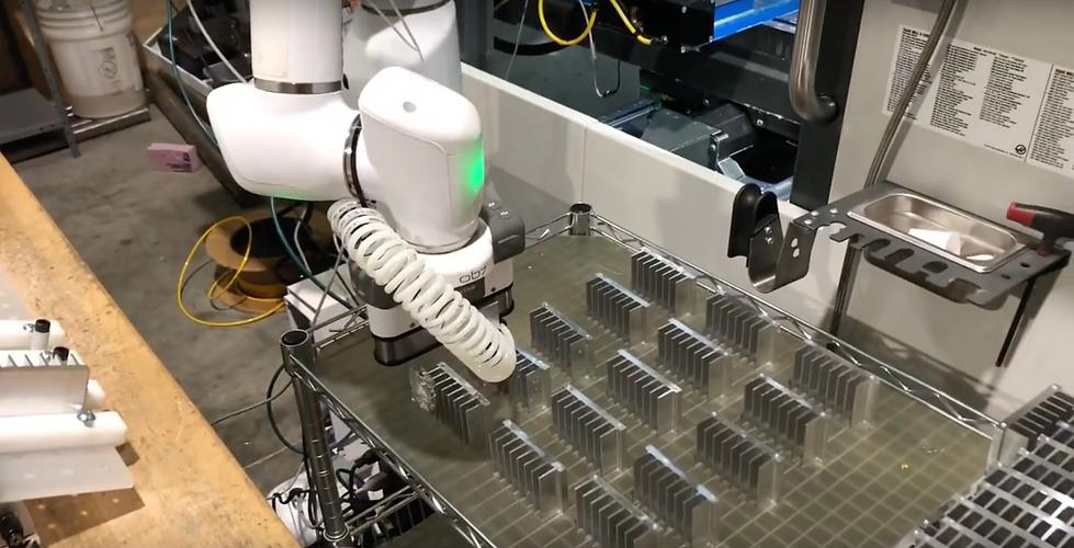 Cobot application for CNC machine shops.